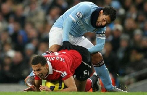 Carlos Tevez fisting Rio Ferdinand